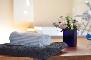 3 Considerations for Making Your Custom Home's Bathroom More Luxurious